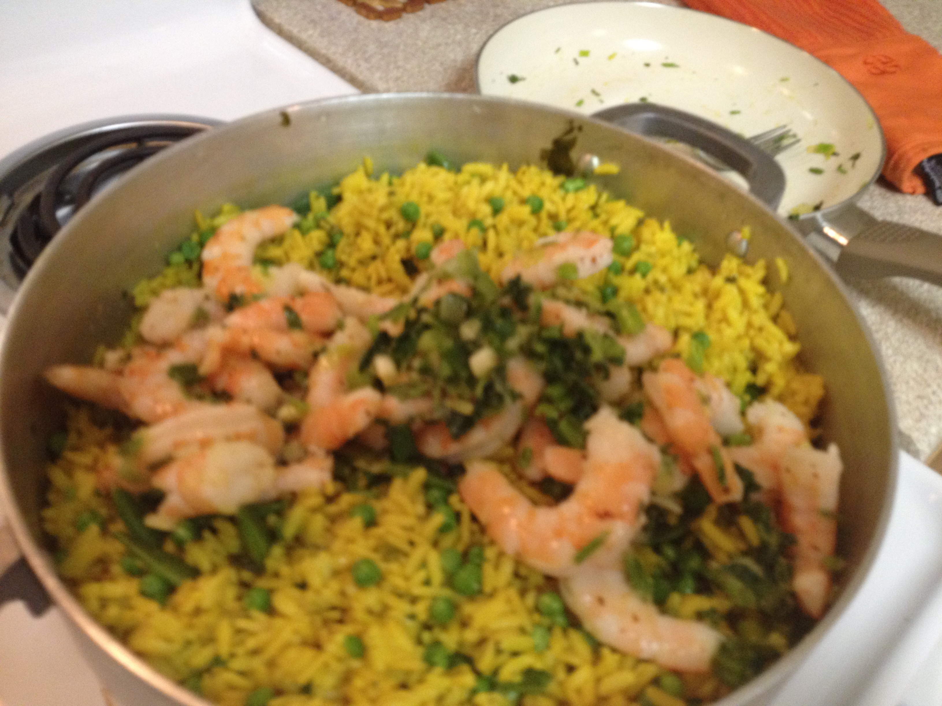 Cooked rice with shrimp